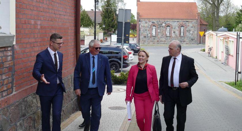 Inwestycje w powiecie, Wizyta wiceminister Lipce Wielkim Buczku - zdjęcie, fotografia