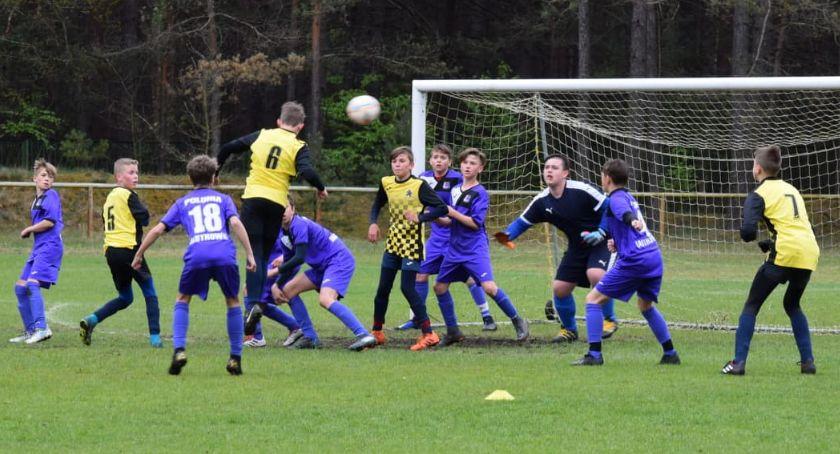 Piłka nożna, Młodziki Football Academy Złotów kontra Polonia Jastrowie - zdjęcie, fotografia