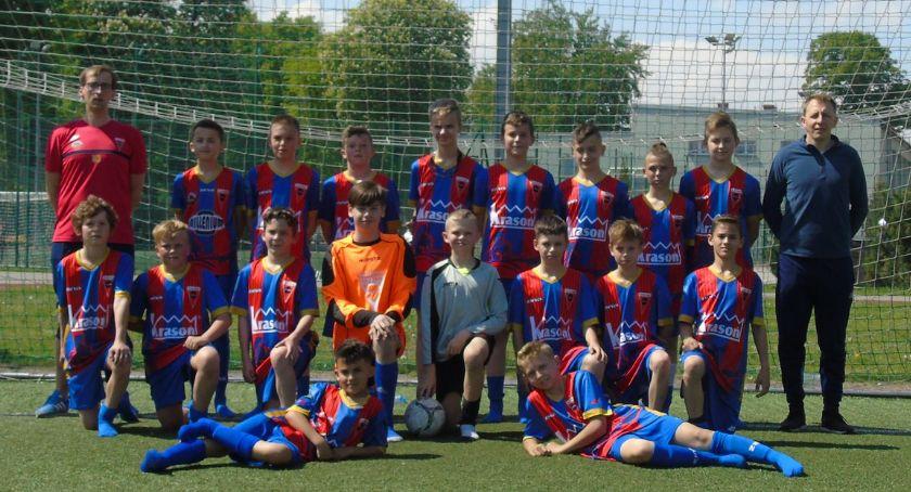 Piłka nożna, Akademia Piłkarska Sparta Złotów kontra Polonia Jastrowie - zdjęcie, fotografia