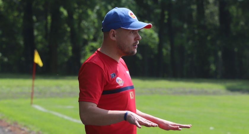 Piłka nożna, Trener Seniorów Sparty Złotów podał dymisji - zdjęcie, fotografia