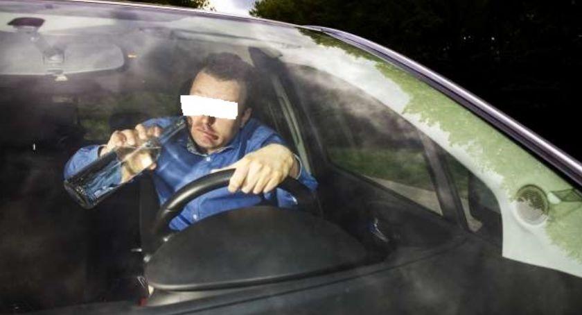 Kronika kryminalna, Kierował autem spowodował kolizję mając promile alkoholu - zdjęcie, fotografia