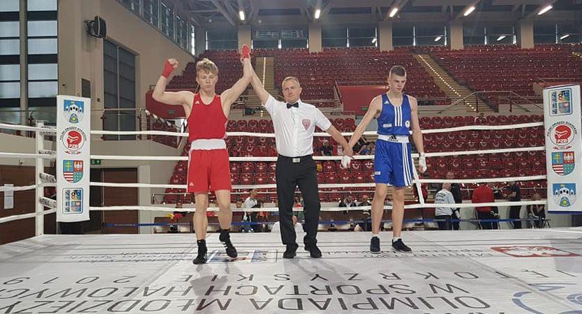 Boks, Pierwszy sukces złotowskich bokserów Ogólnopolskiej Olimpiadzie Młodzieży - zdjęcie, fotografia