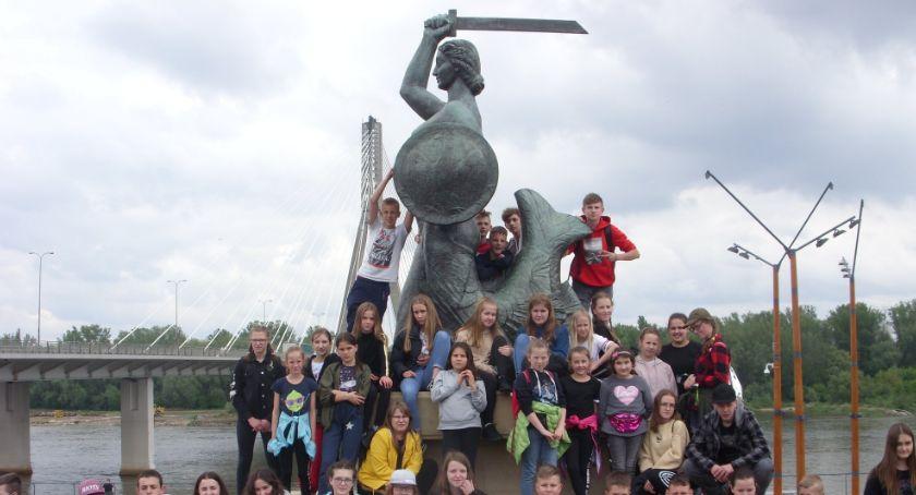 Edukacja, Uczniowie Skórki stolicy - zdjęcie, fotografia
