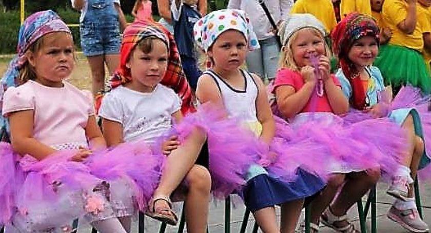 Uroczystości obchody, Parafia zaprasza festyn - zdjęcie, fotografia