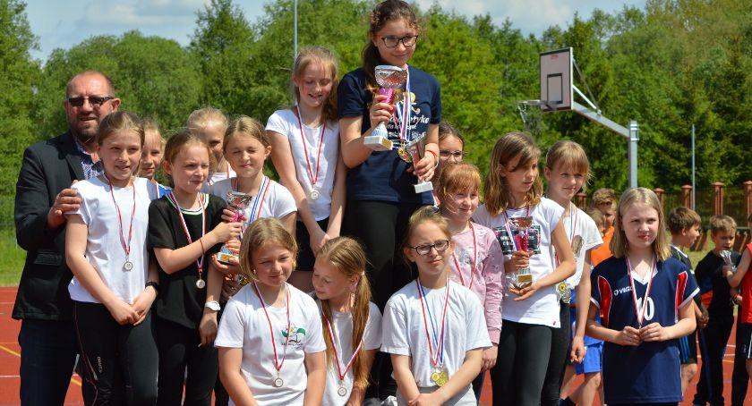 Lekkoatletyka, Mistrzostwa Powiatu Trójboju Lekkoatletycznym rozegrane - zdjęcie, fotografia