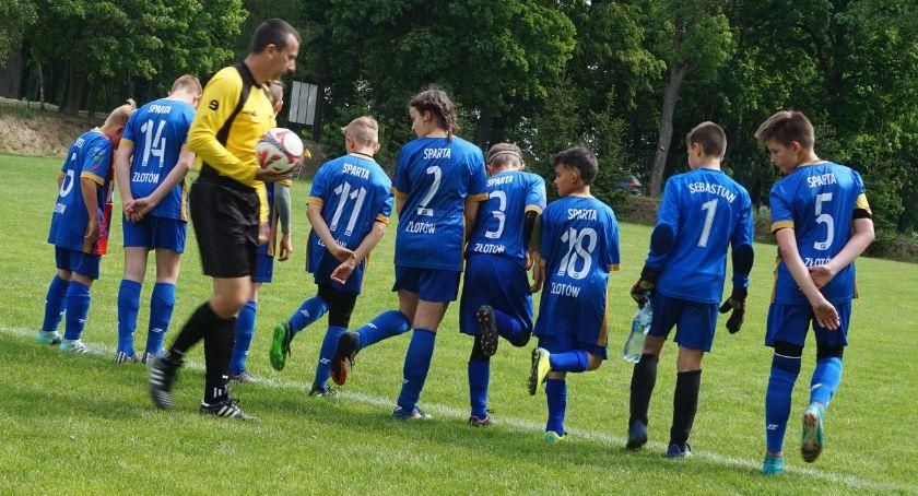 Piłka nożna, Młodzik Sparta Złotów kontra Pogoń Łobżenica - zdjęcie, fotografia