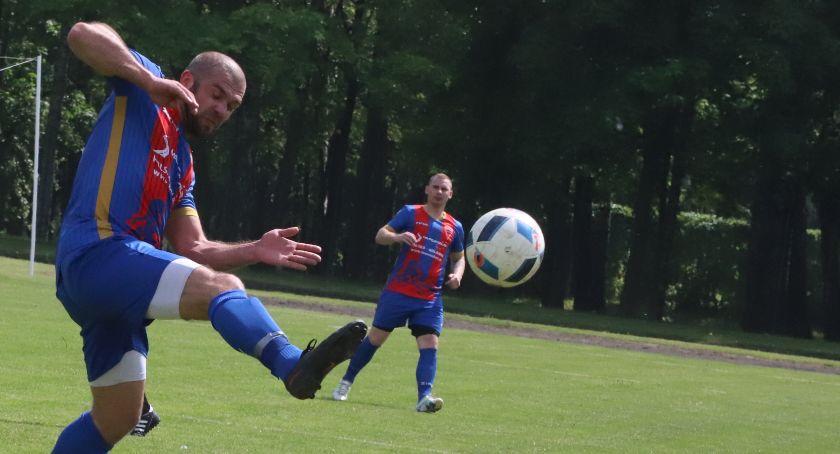 Piłka nożna, Piłkarski weekend regionie - zdjęcie, fotografia
