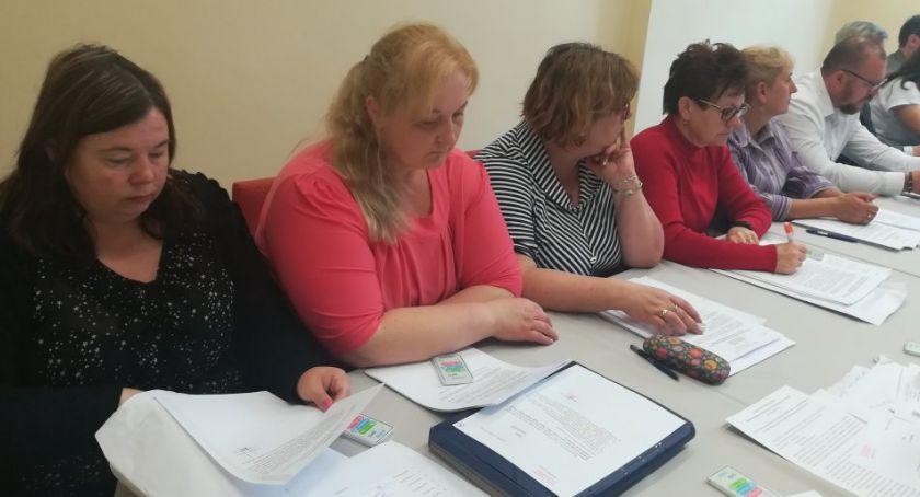 Samorządowcy, Gmina będzie szukać środków pozabudżetowych - zdjęcie, fotografia