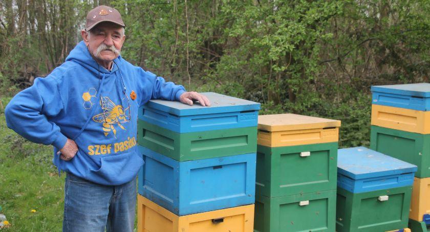 Ludzie i ich pasje, Najwyższe pszczelarskie odznaczenie Konrada Kaczmarka - zdjęcie, fotografia
