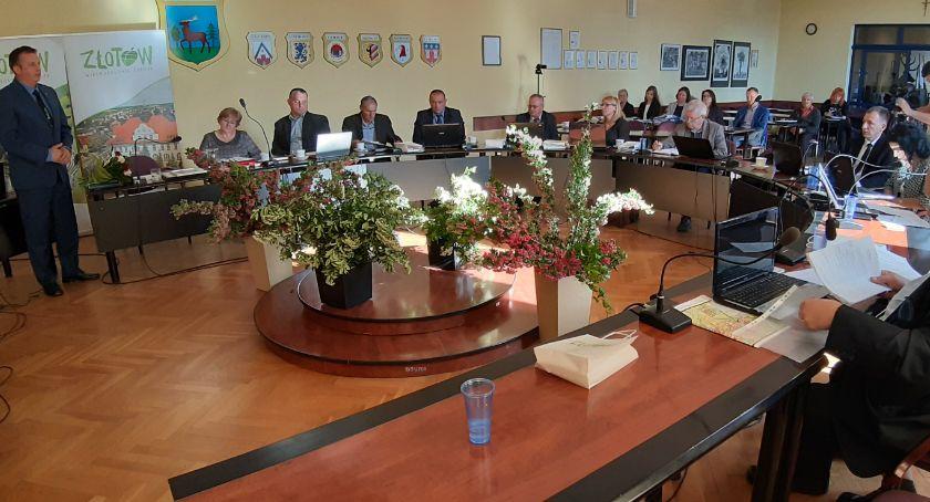 Samorządowcy, Wotum zaufania absolutorium burmistrza Złotowa - zdjęcie, fotografia