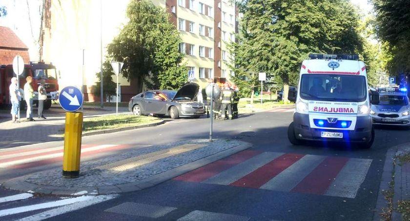 Drogi i komunikacja, Kolejne rondo mieście - zdjęcie, fotografia