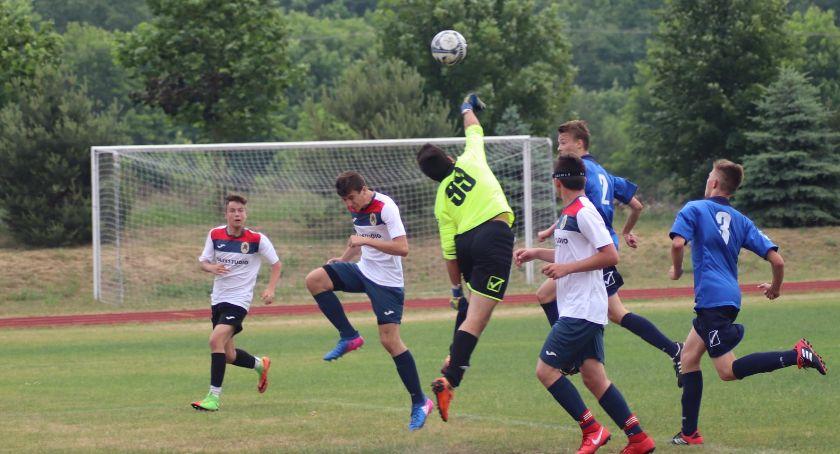 Piłka nożna, Złotów kontra Noteć Dziembowo - zdjęcie, fotografia