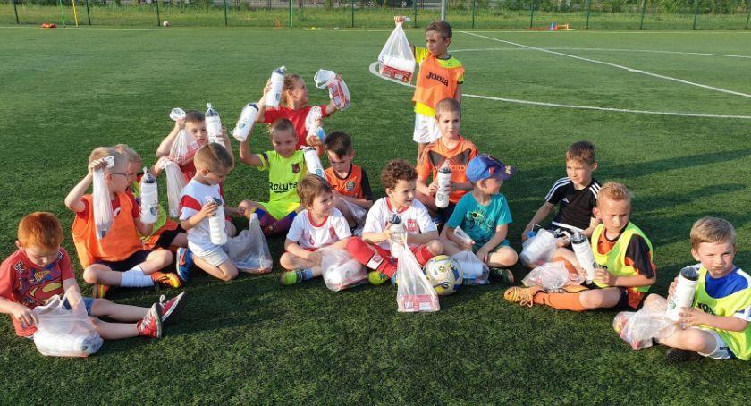 Piłka nożna, Dzień Dziecka sportowo Akademią Piłkarską Start Jastrowie - zdjęcie, fotografia