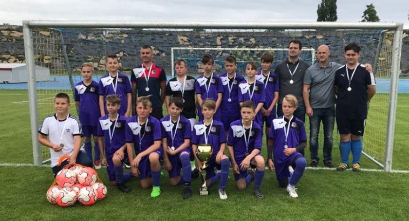 Piłka nożna, Młodziki Polonia Jastrowie wicemistrzami Piła - zdjęcie, fotografia