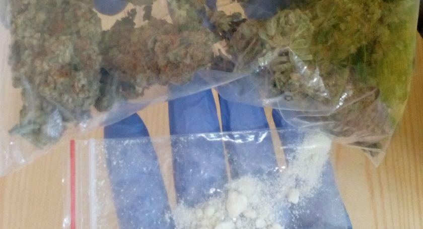 Kronika kryminalna, Miał narkotyki prowadził samochód wpływem - zdjęcie, fotografia
