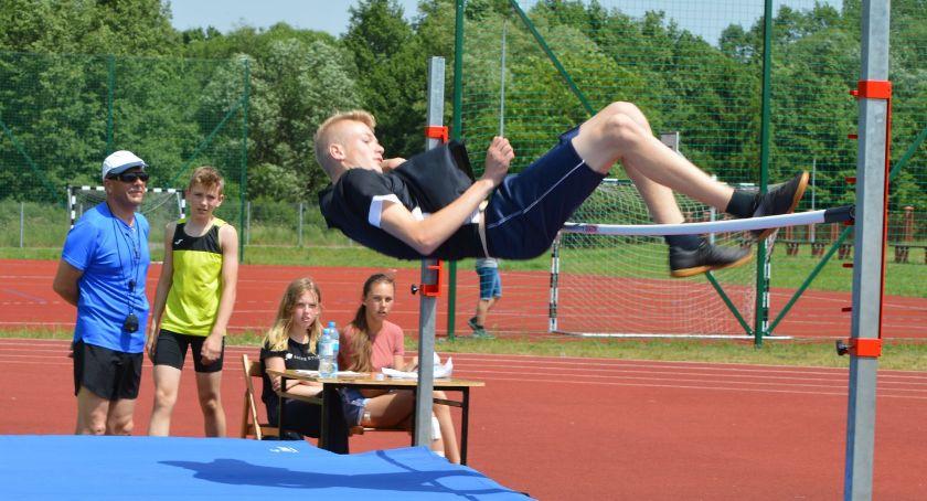 Lekkoatletyka, Otwarte Mistrzostwa Powiatu skoku wzwyż - zdjęcie, fotografia