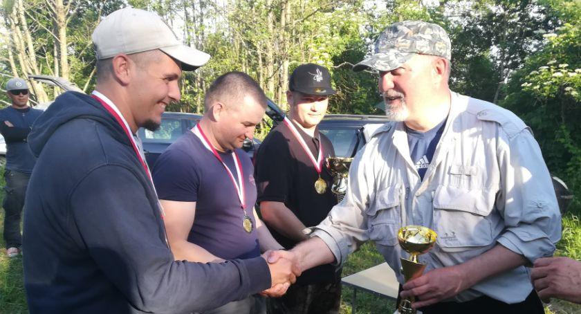 Wędkarstwo, Reprezentant Krajenki zawodach muchowych - zdjęcie, fotografia