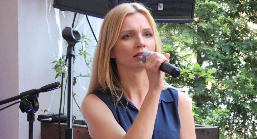 Koncerty muzyka, Emilia Pawłowska koncert Magazyn Bistro - zdjęcie, fotografia