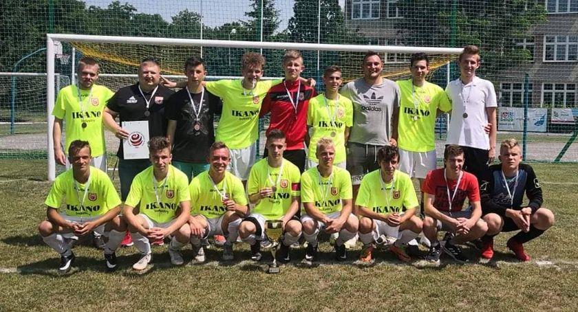 Piłka nożna, Juniorzy Iskry Krajenka brązowymi medalistami Piła - zdjęcie, fotografia