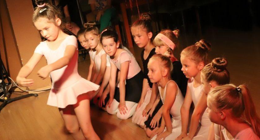 Ośrodki kulturalne, Przegląd baletowy studia tańca baletu FerDance - zdjęcie, fotografia