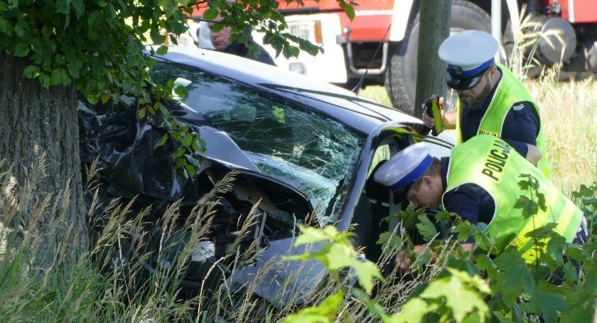 Wypadki drogowe, Groźny wypadek Starą Wiśniewką - zdjęcie, fotografia