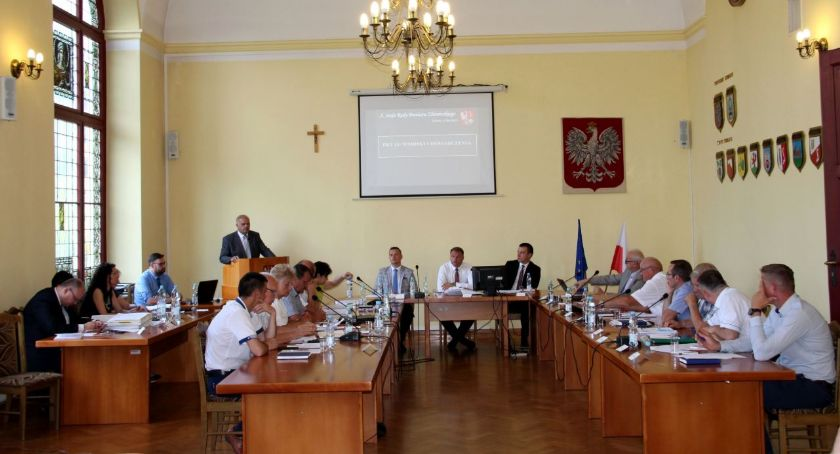 Samorządowcy, Zarząd Powiatu Złotowskiego wotum zaufania - zdjęcie, fotografia