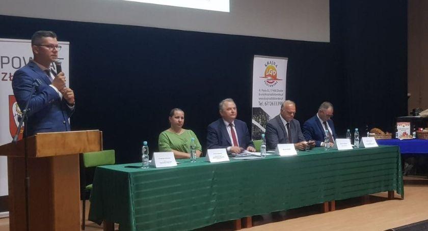 Samorządowcy, Owocne spotkanie ramach konsultacji publicznych - zdjęcie, fotografia
