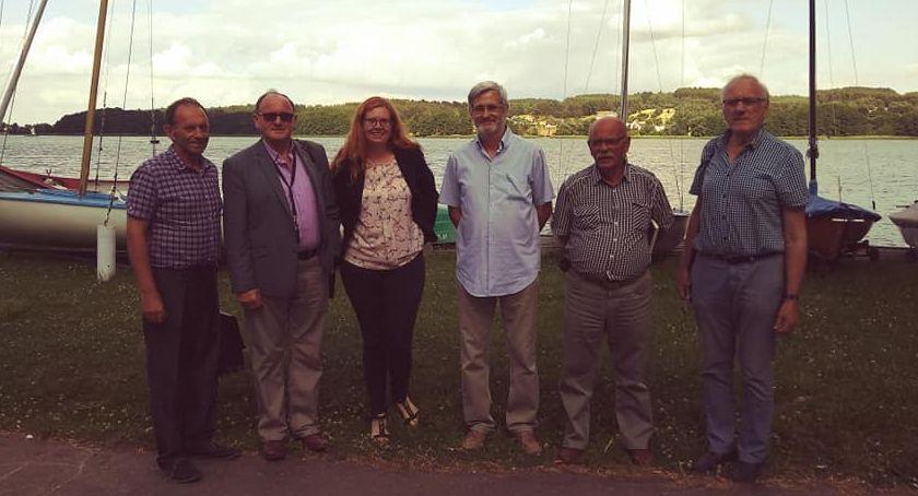 Organizacje pozarządowe, Posiedzenie wyjeździe - zdjęcie, fotografia