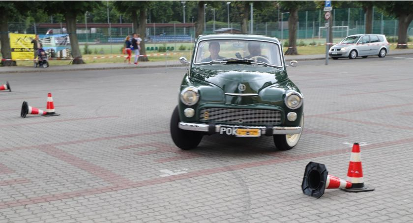 Motoryzacja, Jakiś Złotowie - zdjęcie, fotografia