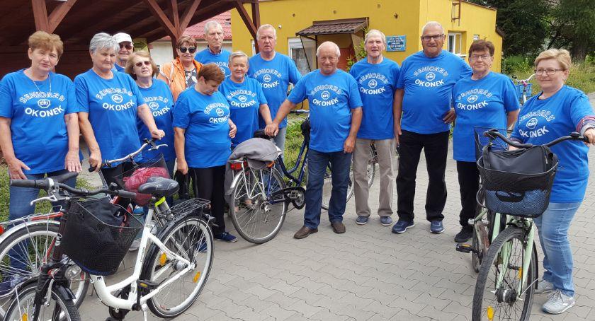 Rowerem przez świat, Seniorzy poznają swoją gminę - zdjęcie, fotografia