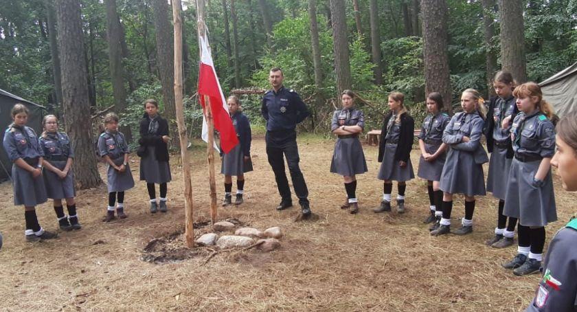 Policja - komunikaty i akcje, Policjanci wizytą harcerzy - zdjęcie, fotografia