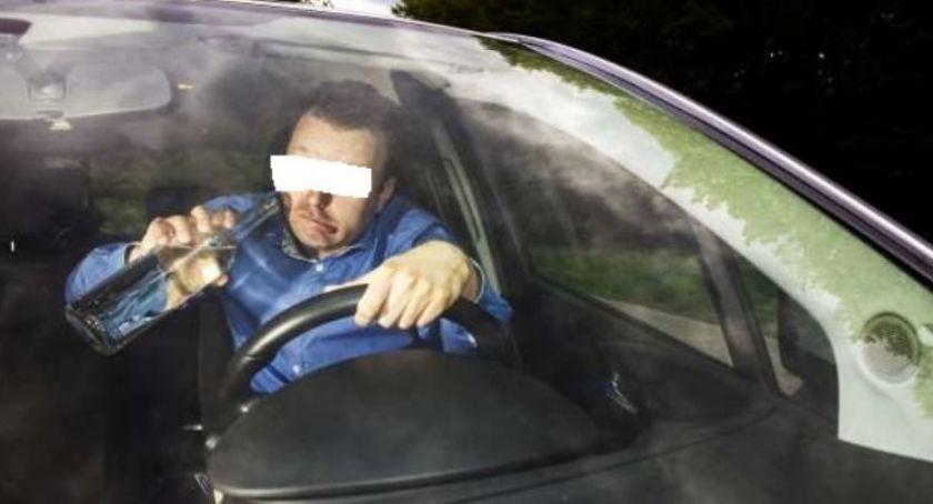 Kronika kryminalna, Kolejne zatrzymania kierowców wpływem alkoholu - zdjęcie, fotografia
