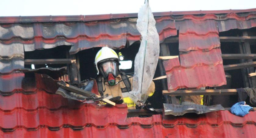 Policja - komunikaty i akcje, Desperat Jastrowia podpalił budynek Mężczyzna śpiączce - zdjęcie, fotografia