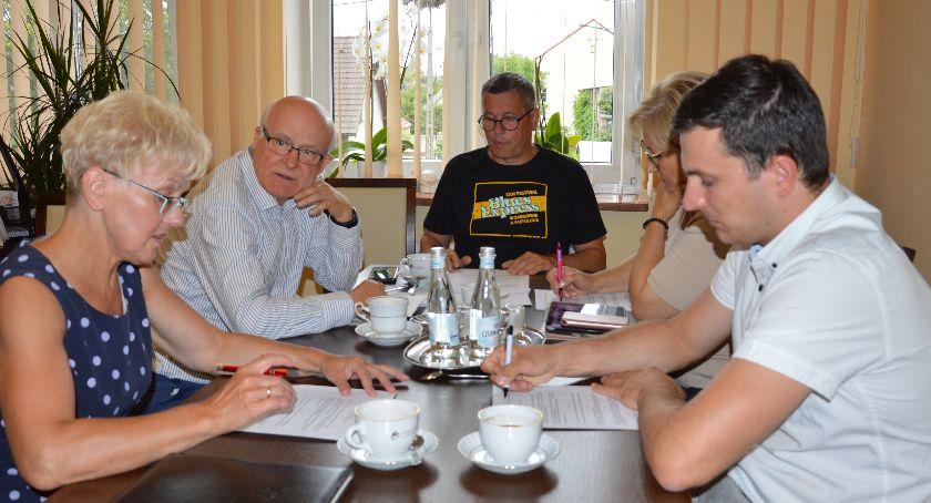 Administracja, Spotkanie parlamentarzystami - zdjęcie, fotografia