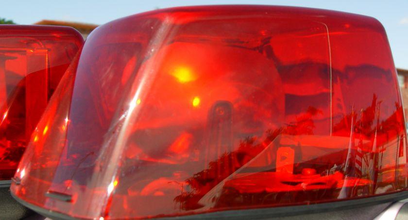 Strażacy, policja i służby medyczne interweniowały w sobotę rano pod Okonkiem, zdjęcie - Fotolia