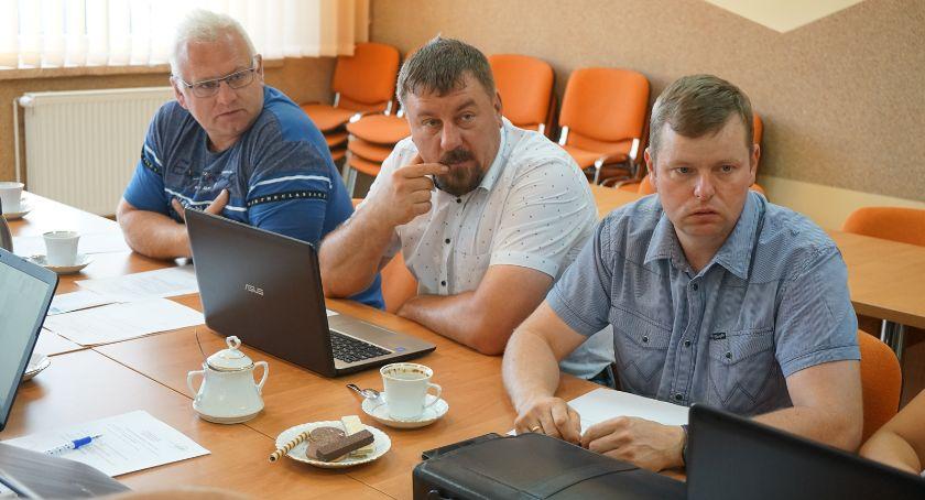 Administracja, Gmina przekaże miastu ziemię - zdjęcie, fotografia