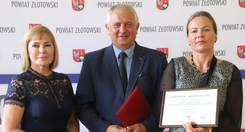 Zdrowie i szpital, Certyfikat złotowskiego szpitala - zdjęcie, fotografia
