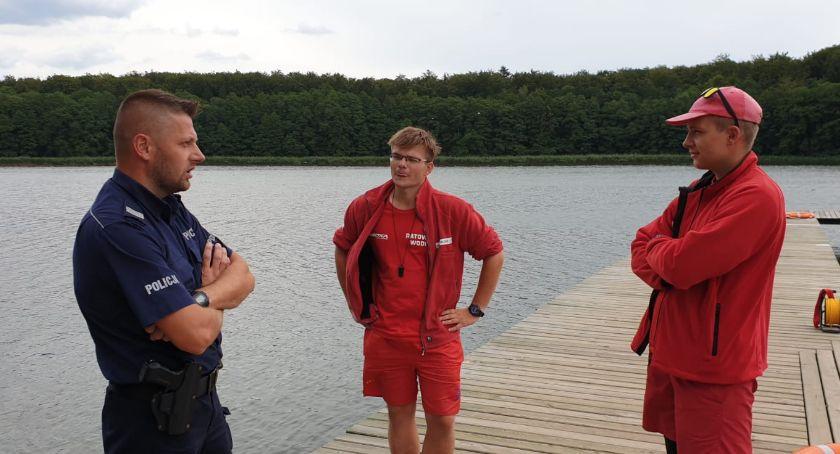 Policja - komunikaty i akcje, Kręci bezpieczeństwo wodą - zdjęcie, fotografia