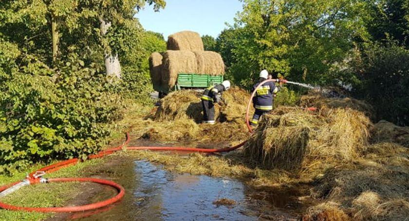 Straż pożarna, Pożar przyczepy sianem - zdjęcie, fotografia