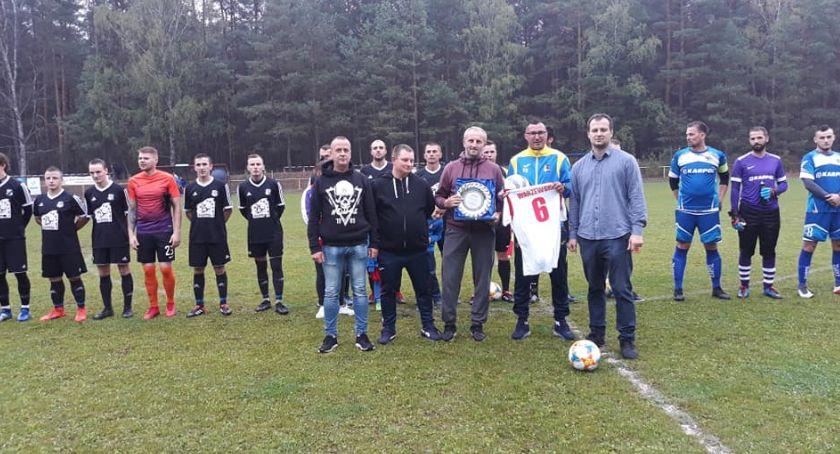 Piłka nożna, Zwycięstwo juniorów seniorów Polonii Jastrowie - zdjęcie, fotografia