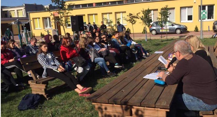 Edukacja, Narodowe Czytanie złotowskim CKZiU - zdjęcie, fotografia