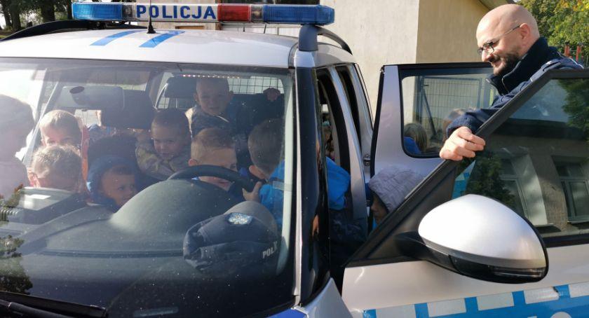 Policja - komunikaty i akcje, Spotkanie policjantem - zdjęcie, fotografia