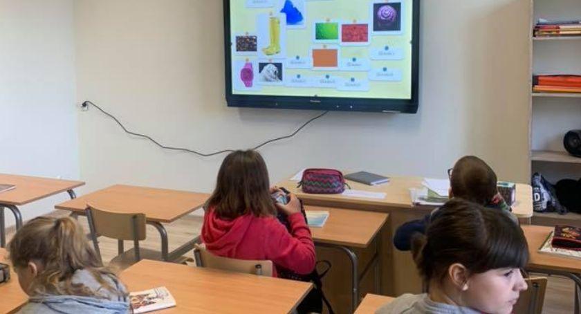 Edukacja, aktywną tablicą start - zdjęcie, fotografia