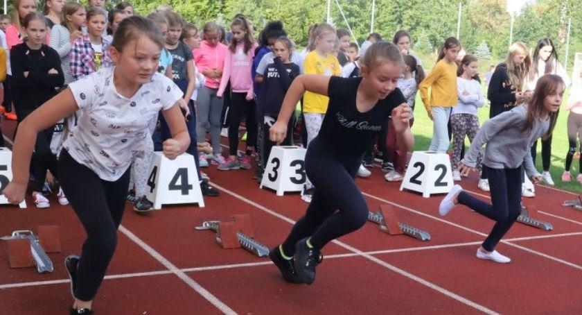 Lekkoatletyka, Czwartki lekkoatletyczne Złotowie inauguracja nowego sezonu - zdjęcie, fotografia