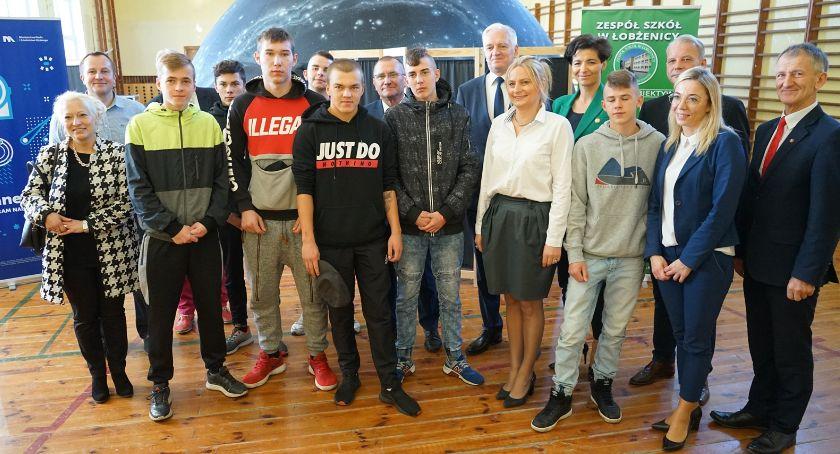 Jarosław Gowin - minister nauki i szkolnictwa wyższego odwiedził szkołę średnią w Łobżenicy[WIDEO]