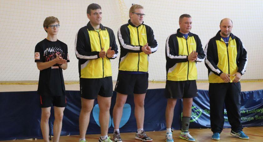 Tenis stołowy, Wygrana remis złotowskich tenisistów stołowych - zdjęcie, fotografia