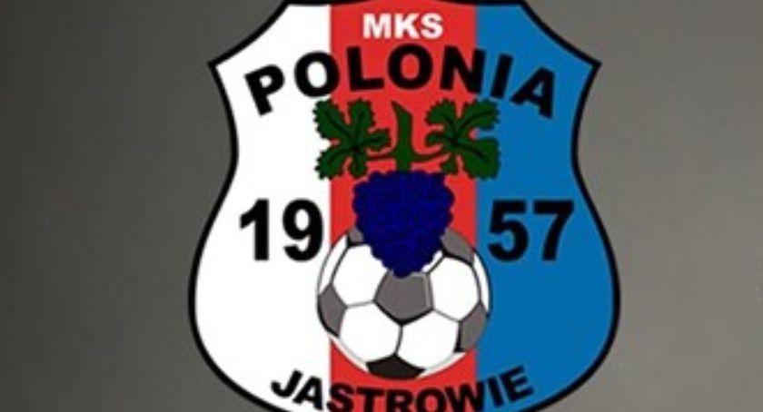 Piłka nożna, Polonia Jastrowie wygrywa kolejny - zdjęcie, fotografia