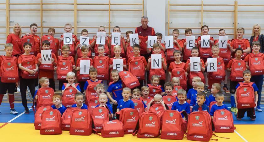 Piłka nożna, Niespodzianka Akademii Piłakarskiej Start Jastrowie - zdjęcie, fotografia