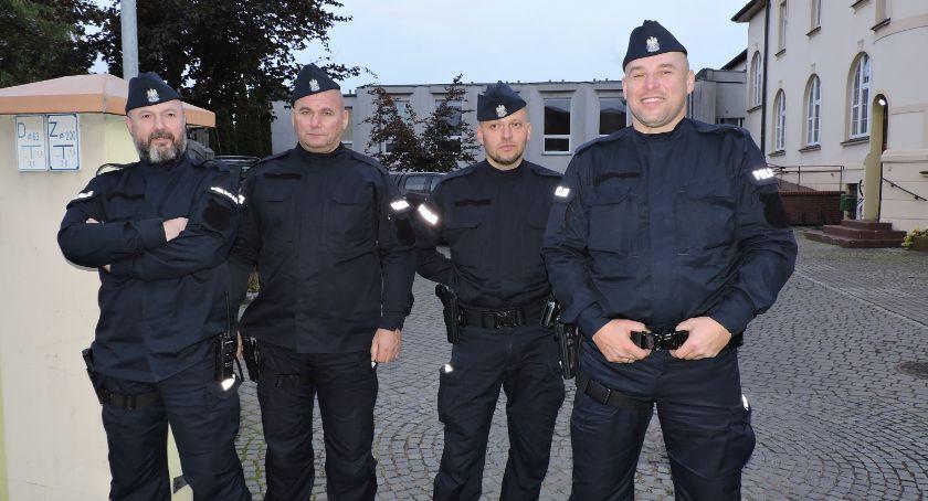 Policja - komunikaty i akcje, Policjanci zabezpieczali wizytę Prezydenta Złotowie - zdjęcie, fotografia
