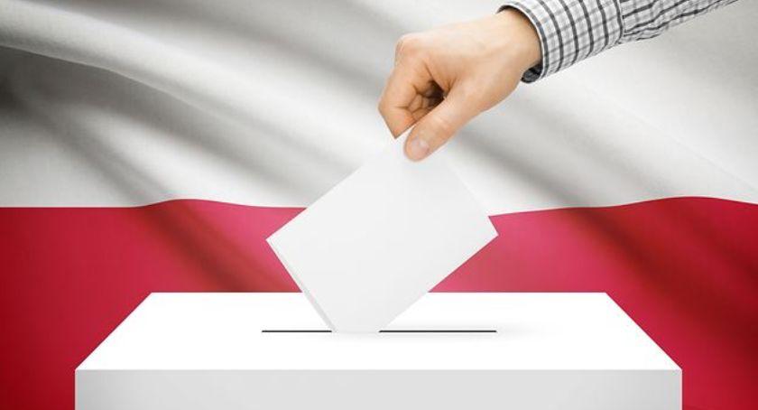 Partie polityczne, Ponad procent frekwencji Zakrzewie - zdjęcie, fotografia